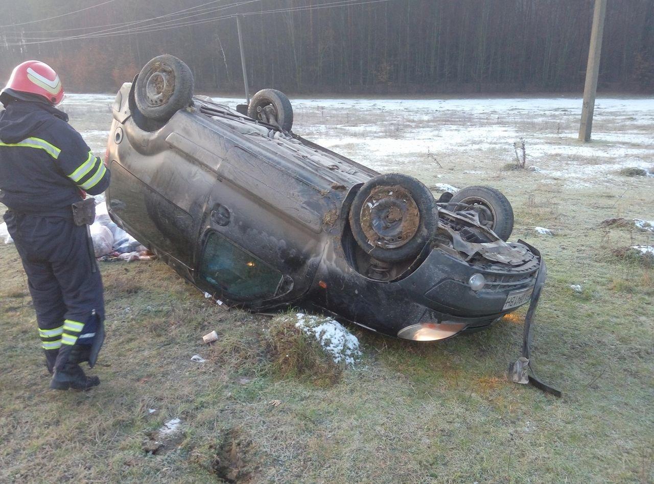 На Хмельниччині перекинулось авто, фото-2