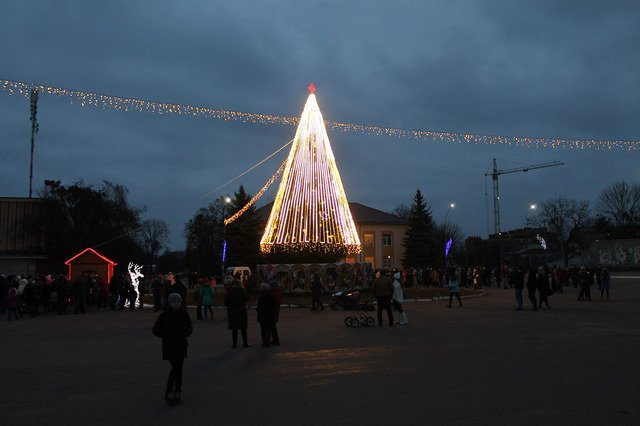 Де в Хмельницькій області найгарніша новорічна ялинка, фото-7