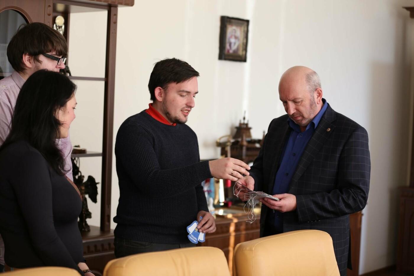 У Кам'янці-Подільському з'явилася «ялинка свідомості», фото-6