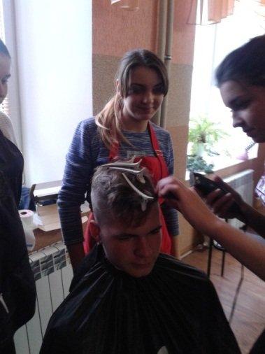 Студенти Подільського центру ПТО відвідали дітей-інвалідів та школу-інтернат, фото-3