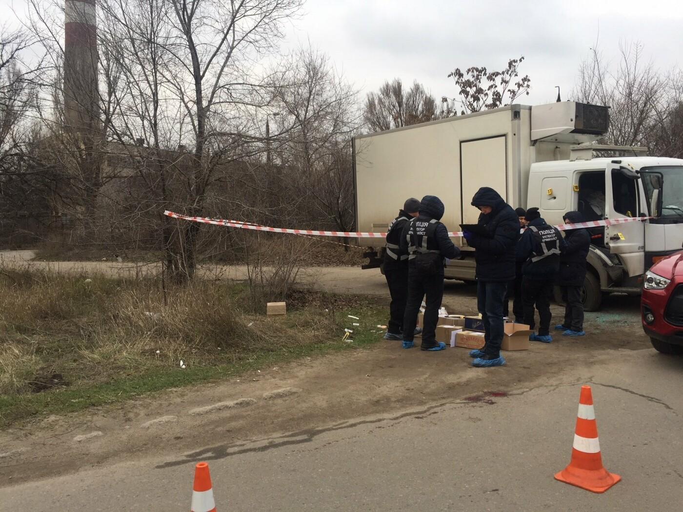 Автомобіль підприємця із Кам'янця-Подільського розстріляли у Запоріжжі, фото-2