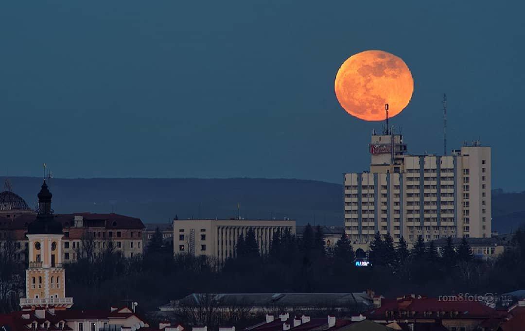 Блакитний, кривавий Місяць очима кам'янчан, фото-1