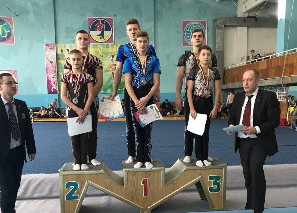 Шість золотих та одна срібна медаль на чемпіонаті України зі спортивної акробатики, фото-1