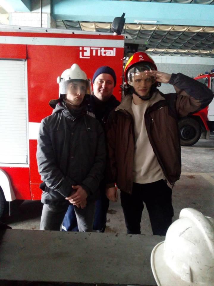 Студенти Кам'янець-Подільського технікуму-інтернату завітали до рятувальників, фото-1