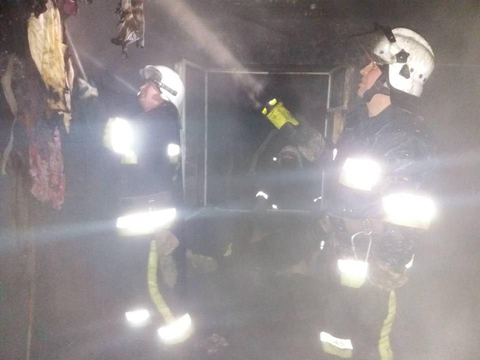 Пожежа  залишила кам'янчан без даху над головою, фото-1