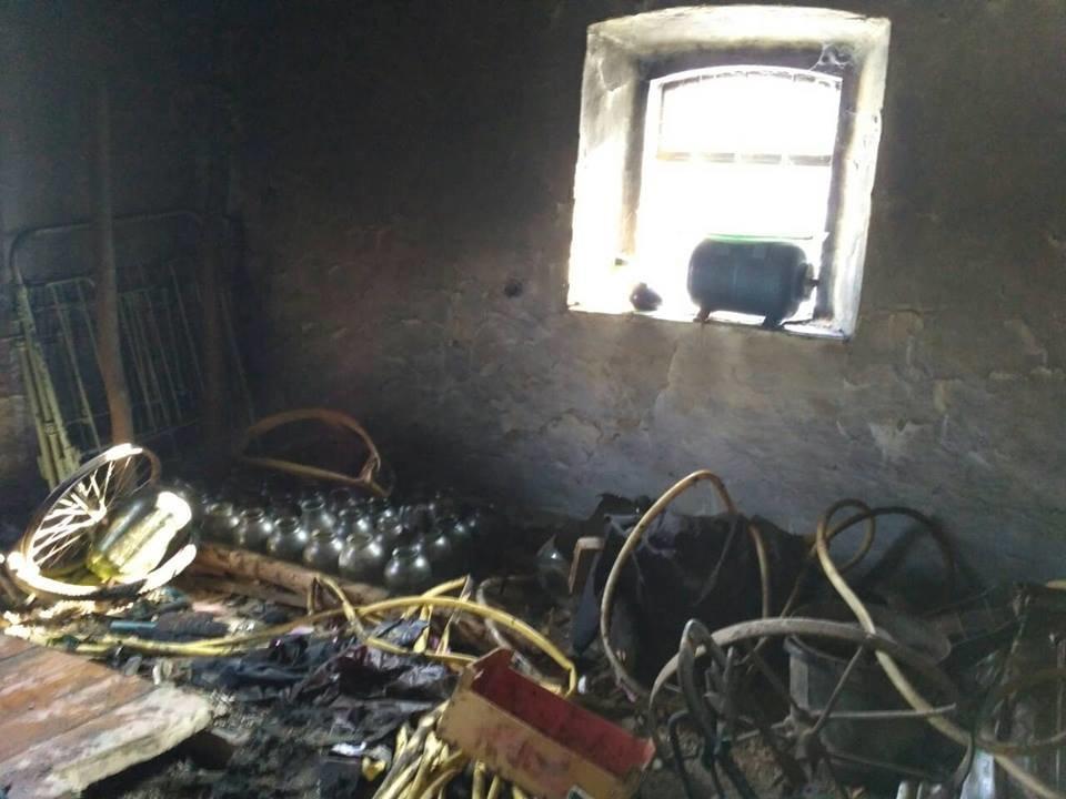 Неуважність при експлуатації печі призвела до пожежі в селі Пудлівці, фото-1