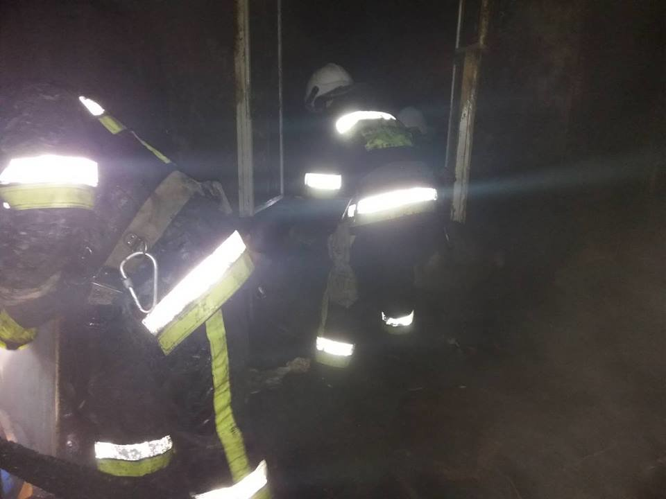 Пожежа  залишила кам'янчан без даху над головою, фото-3
