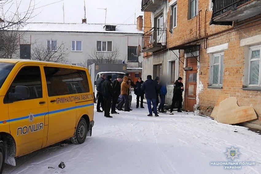 На Хмельниччині у власній квартирі виявили тіло жінки, яка була вбита ще у жовтні, фото-1