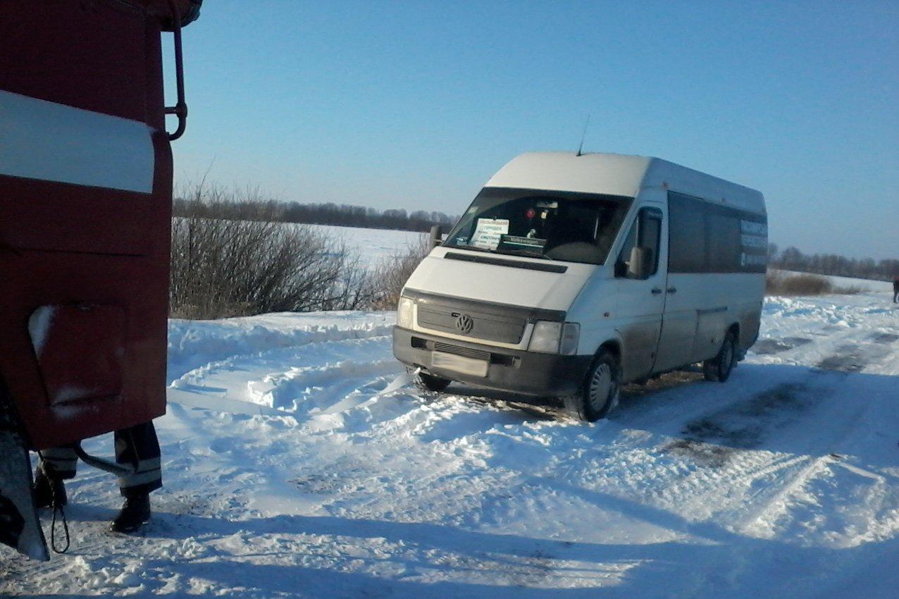 На Хмельниччині рятувальники витягли із снігових заметів 51 людину, фото-1