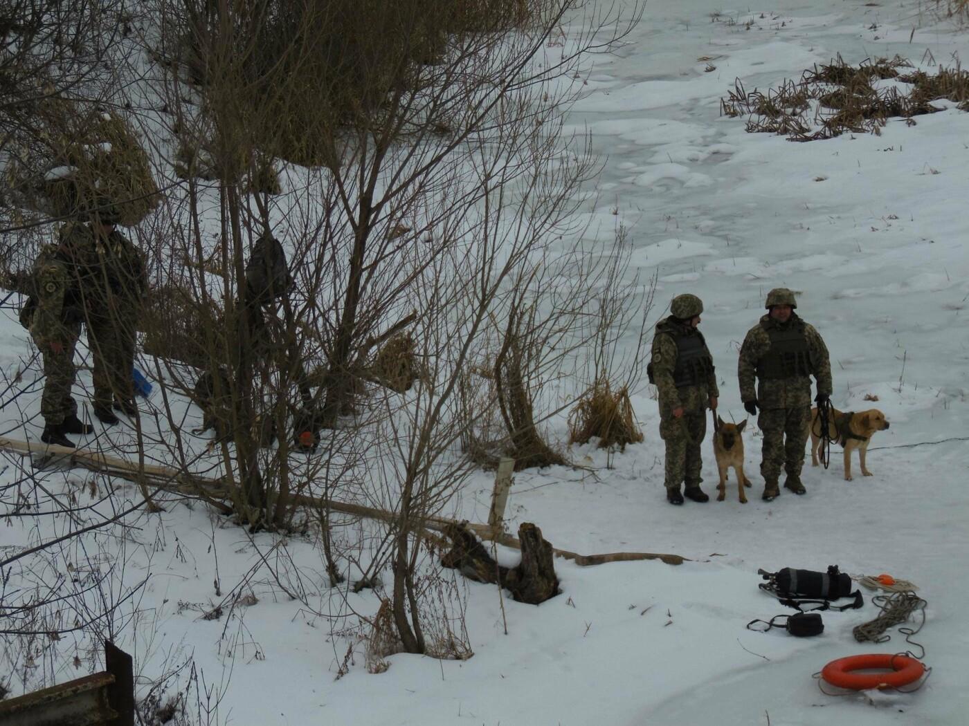 У Кам'янці пройшли навчання військових та рятувальників, щодо пропуску льодоходу, повені та паводків, фото-9