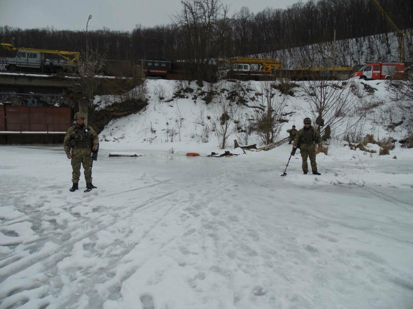 У Кам'янці пройшли навчання військових та рятувальників, щодо пропуску льодоходу, повені та паводків, фото-4