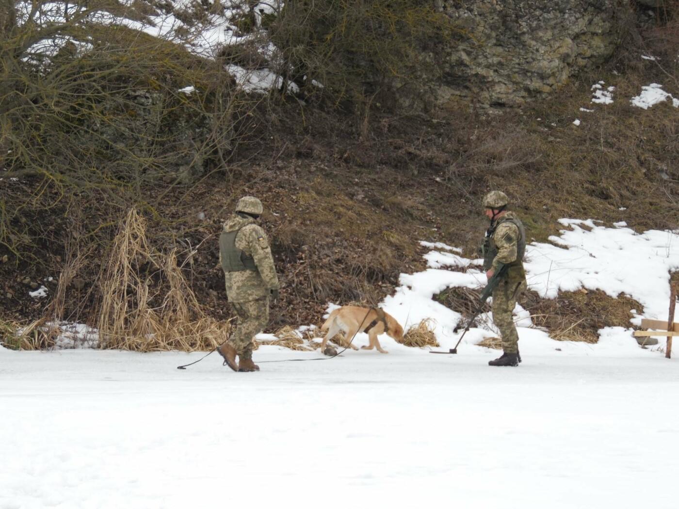 У Кам'янці пройшли навчання військових та рятувальників, щодо пропуску льодоходу, повені та паводків, фото-5