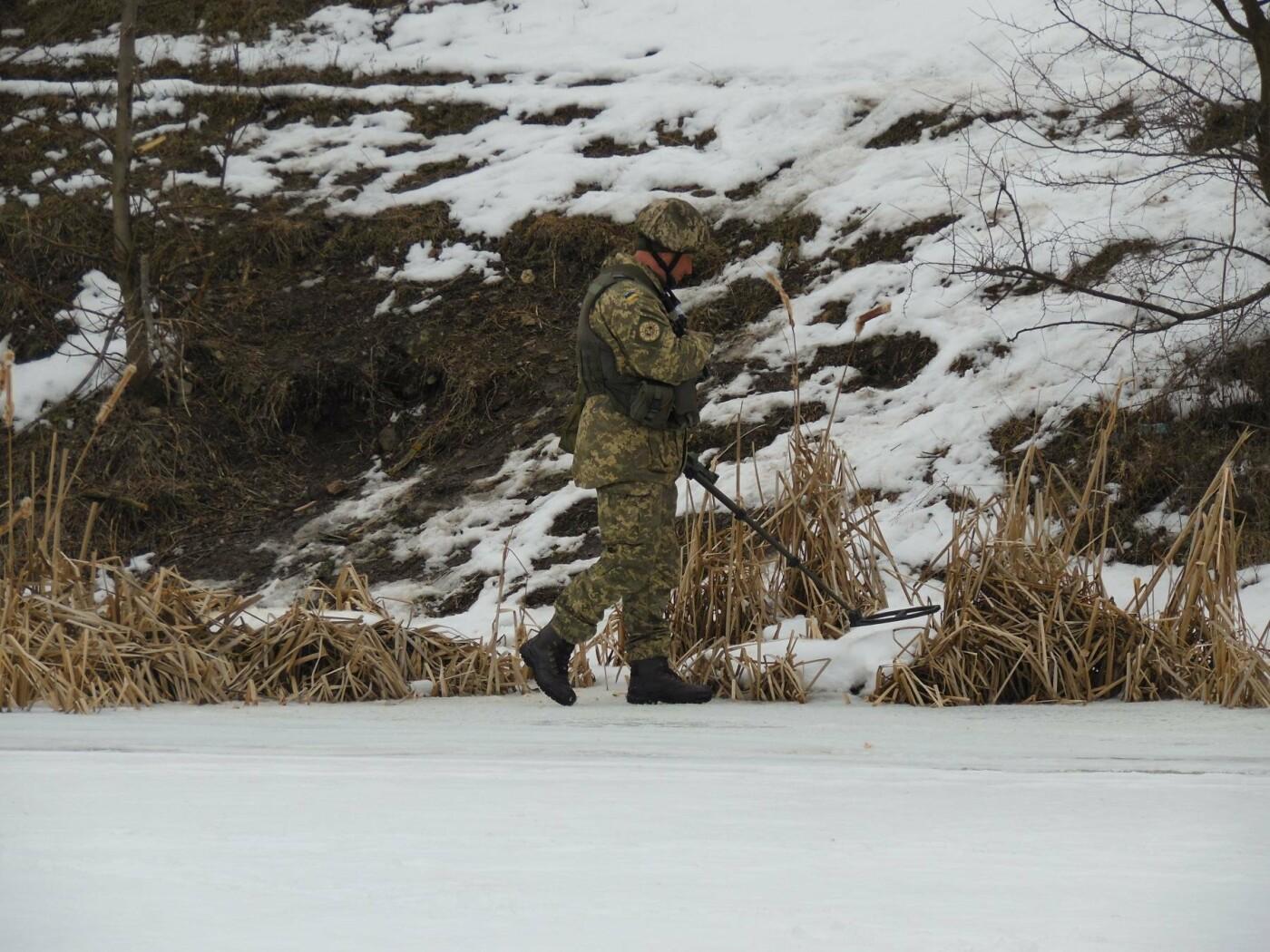 У Кам'янці пройшли навчання військових та рятувальників, щодо пропуску льодоходу, повені та паводків, фото-8