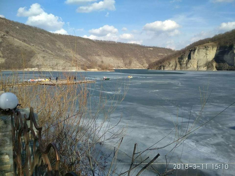 У Врублівцях рибалка провалився під лід , фото-1