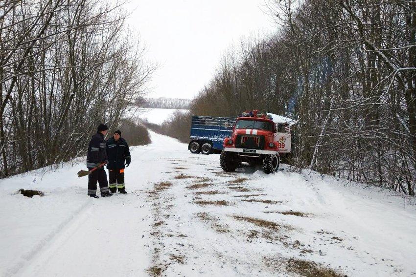 На Хмельниччині за минулу добу зі снігових заметів звільнено 10 людей, фото-5