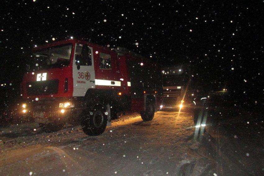 На Хмельниччині за минулу добу зі снігових заметів звільнено 10 людей, фото-3