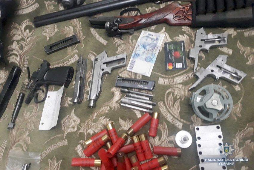 На Хмельниччині виготовляли та продавали зброю, фото-2