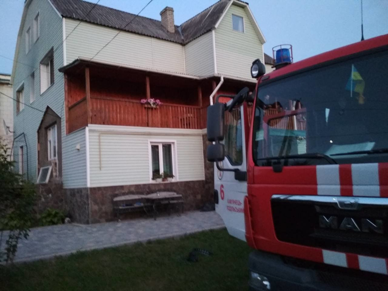 Дві пожежі і потопельник: напружений робочий день кам'янецьких рятувальників, фото-1