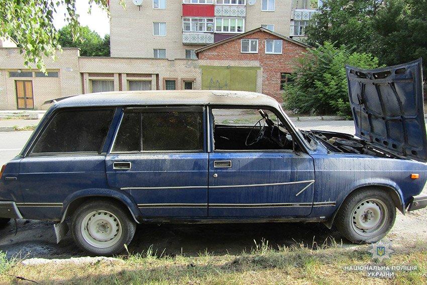 Кам'янецькі поліцейські затримали чоловіка, який грабував і підпалював автівки, фото-3