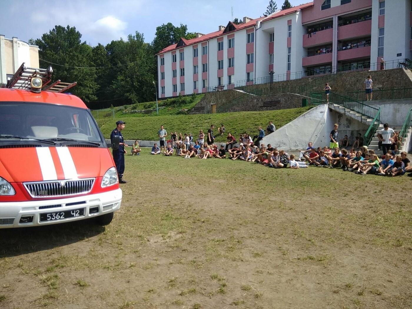"""Рятувальники завітали до """"Лісової пісні"""" аби нагадати дітям правила, що можуть зберегти життя, фото-3"""