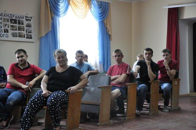 """Мешканці села Тарасівка скаржаться на місцеву агрофірму, яка """"використовує"""" гербіциди для обробки полів, фото-2"""