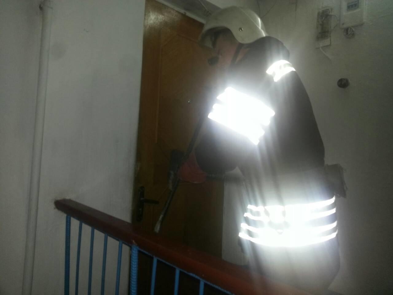 Рятувальники визволили із власної квартири літню жінку , фото-2