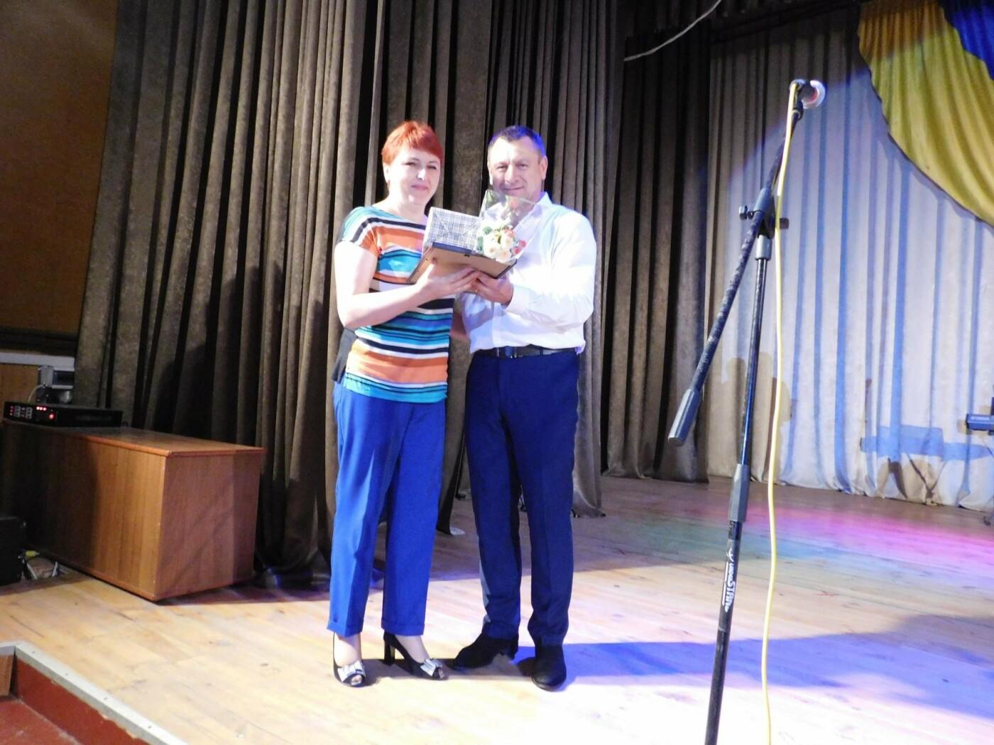"""У """"Розмаї"""" вітали державних службовців Кам'янець-Подільського району, фото-7"""