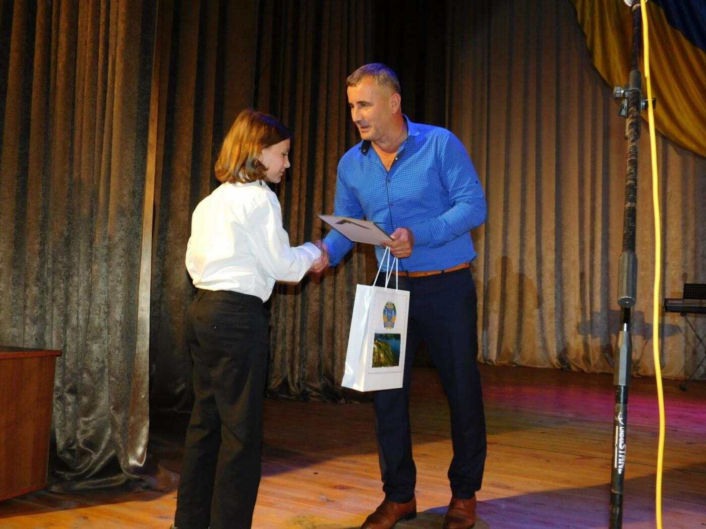 """У """"Розмаї"""" вітали державних службовців Кам'янець-Подільського району, фото-17"""
