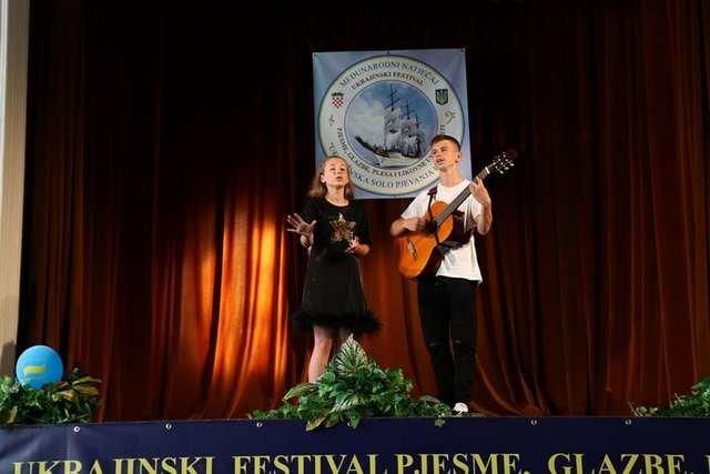 Юні кам'янецькі вокалісти відвідали за 7 днів 3 країни, фото-1