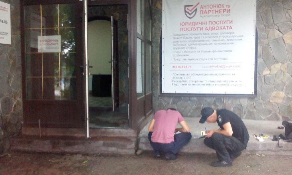 """У Кам'янці обікрали офіси """"Vdalo.info"""" та адвокатського бюро """"Антонюк та партнери"""", фото-2"""