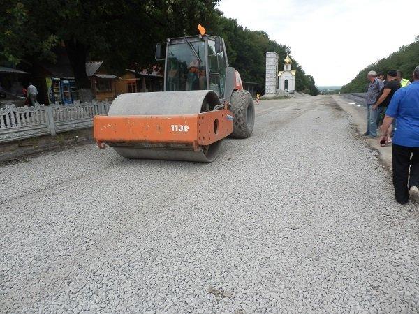 """На """"Тещиному язику"""" завершилося будівництво майданчика для зважування вантажівок, фото-3"""