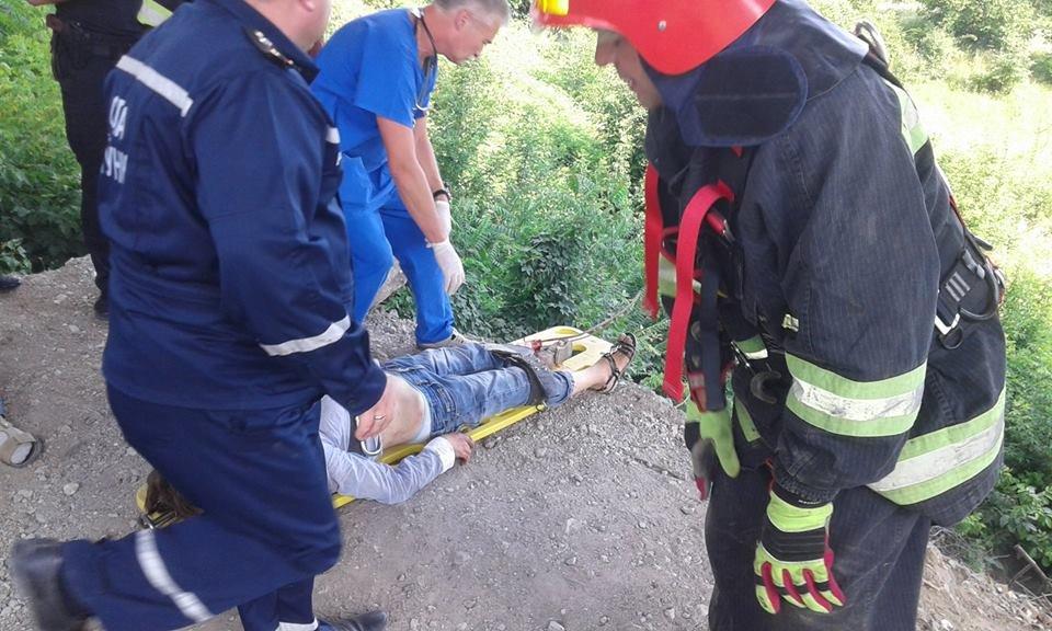 У Кам'янці жінка скоїла спробу самогубства, стрибнувши з мосту, фото-2