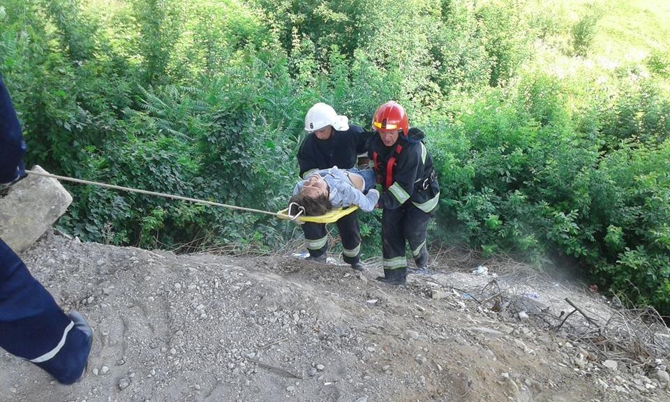 У Кам'янці жінка скоїла спробу самогубства, стрибнувши з мосту, фото-3
