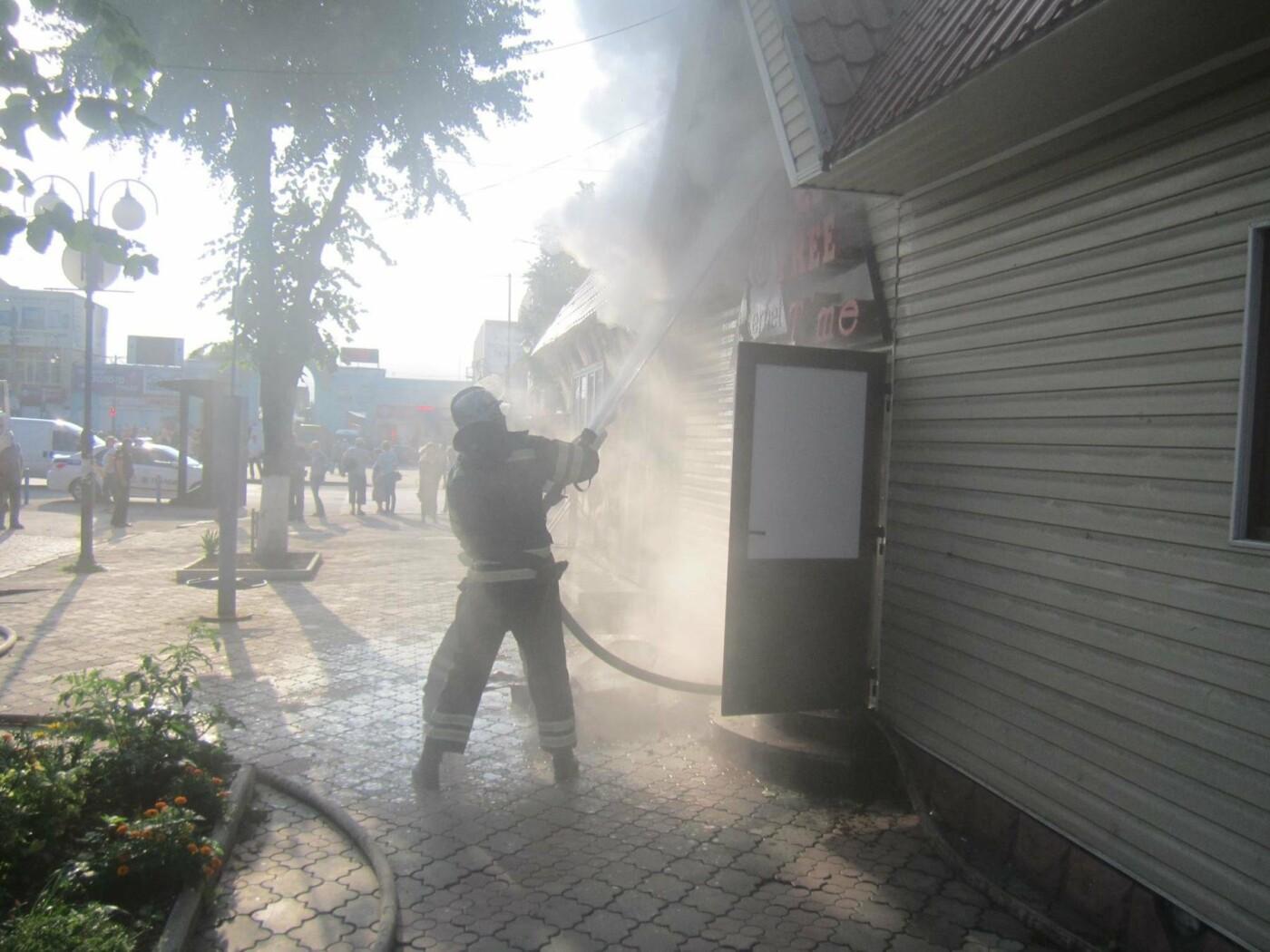 У центрі Кам'янця спалахнула пожежа: нещасних випадків не було, фото-1