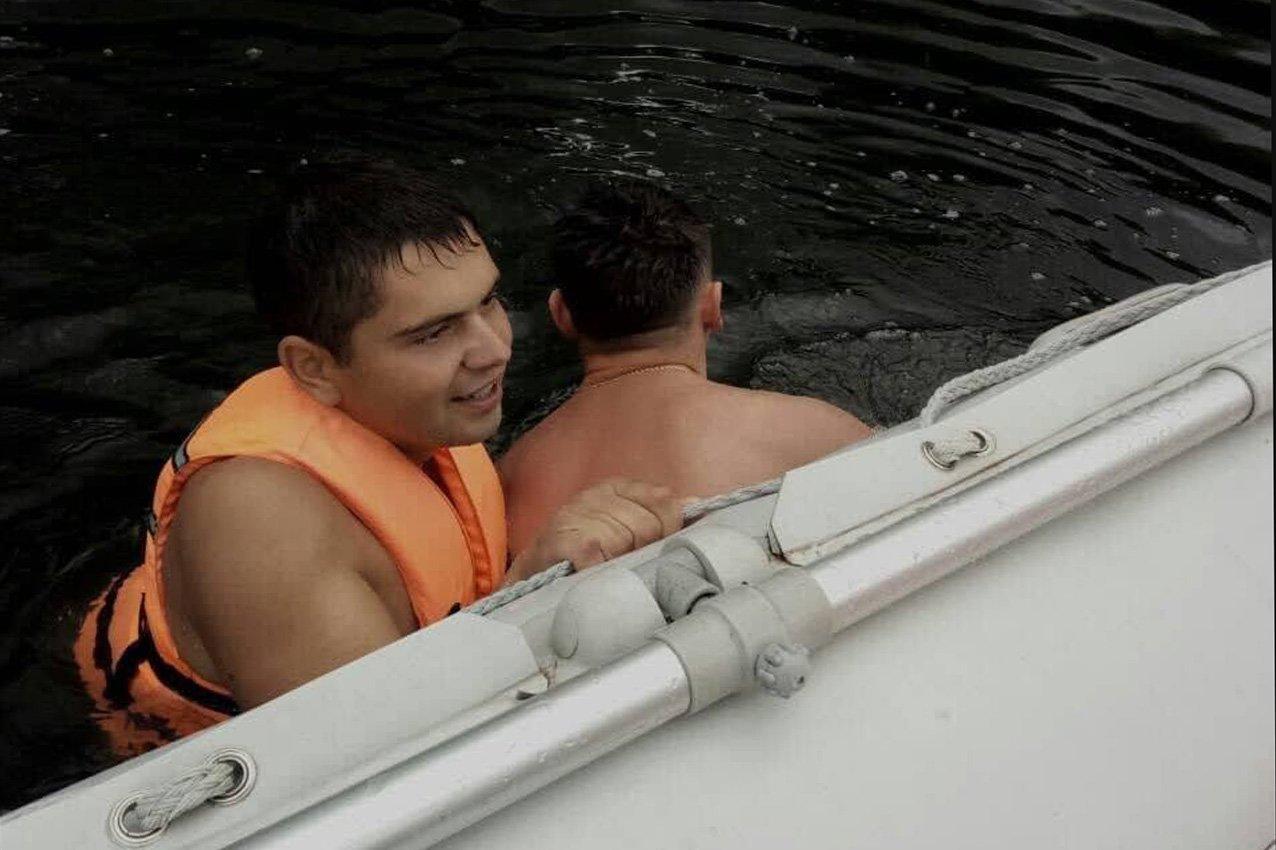 Через легковажність на Дністрі ледь не потонули молоді хлопці, фото-1
