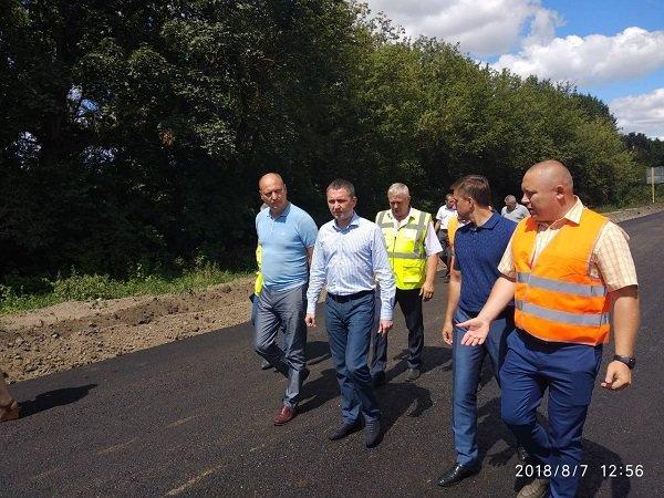 Заступник міністра інфраструктури задоволений темпами виконання ремонтних робіт на дорогах Хмельниччини, фото-3