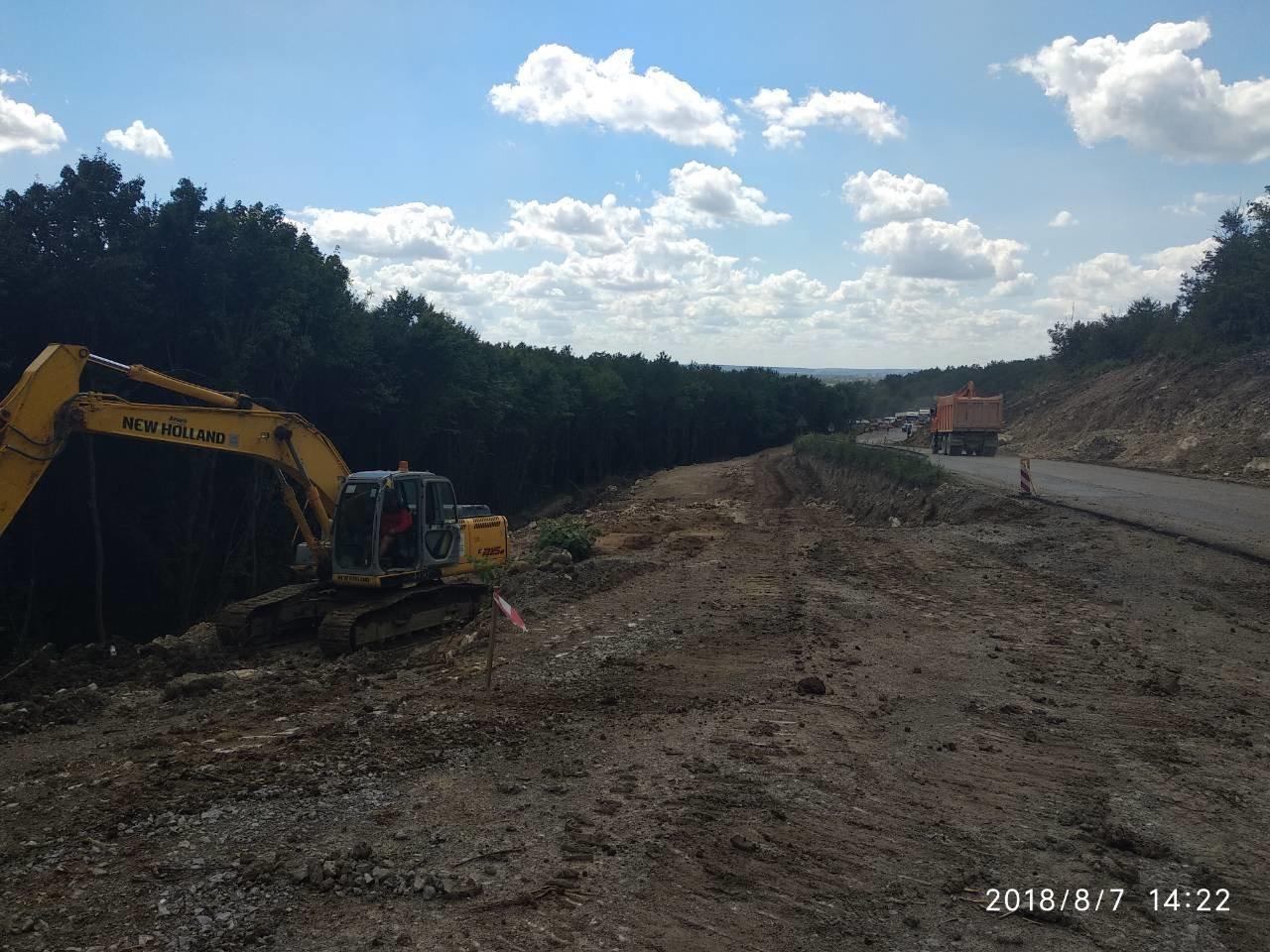 Заступник міністра інфраструктури задоволений темпами виконання ремонтних робіт на дорогах Хмельниччини, фото-4