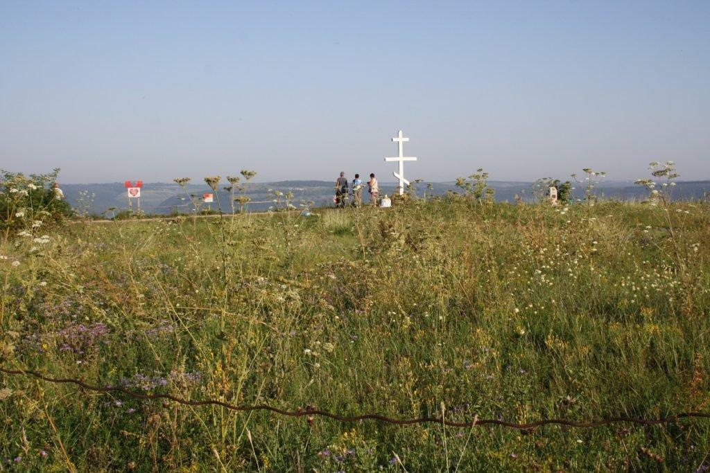 """Один раз в рік Бакотський скельний монастир """"оживає"""", фото-15"""