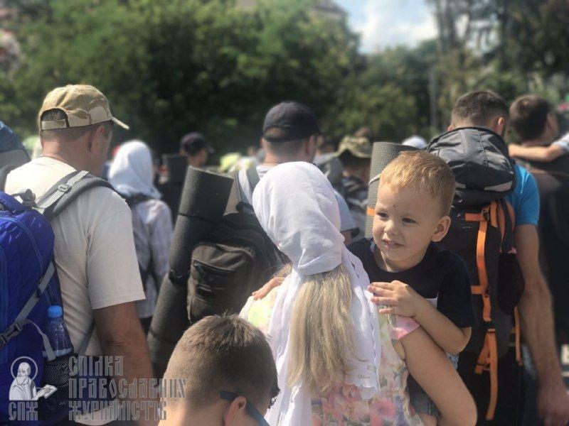 Із Кам'янця вирушив щорічний хресний хід до Почаївської лаври, фото-4