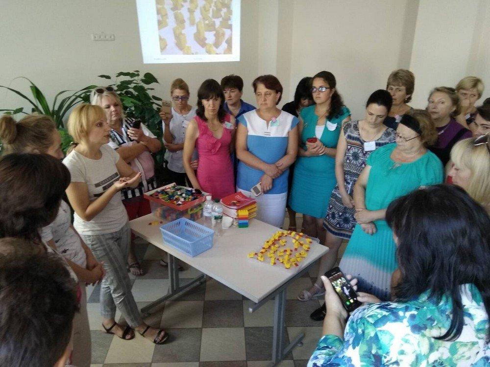 """Вчителі Кам'янця успішно пройшли тренінг """"Навчання по-новому з LEGO"""", фото-4"""