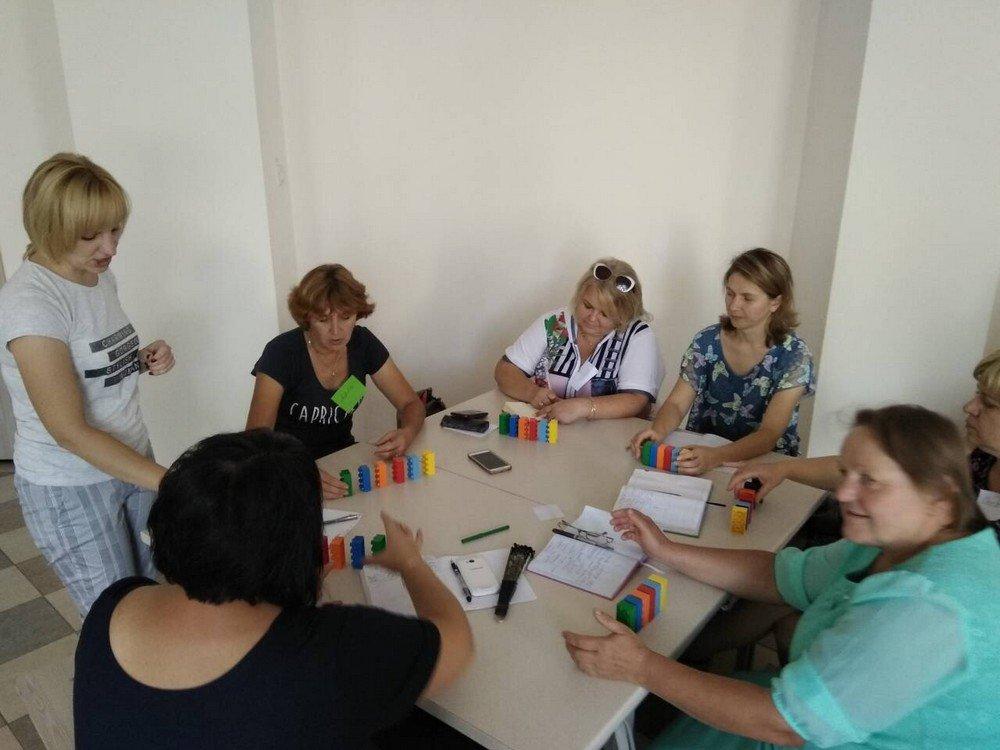 """Вчителі Кам'янця успішно пройшли тренінг """"Навчання по-новому з LEGO"""", фото-2"""