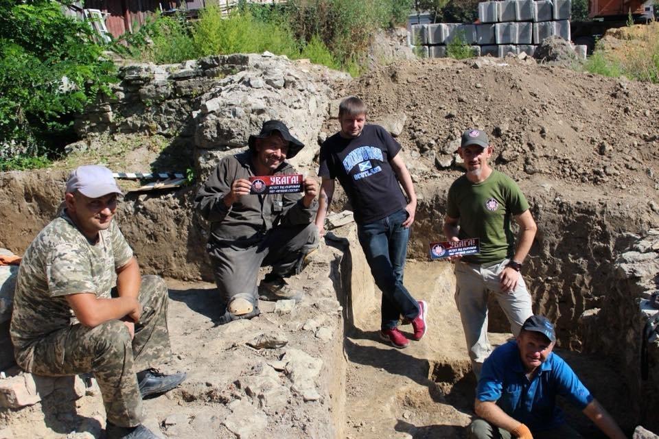 Археологічні розкопки у Кам'янці під охороною політичних сил, фото-1