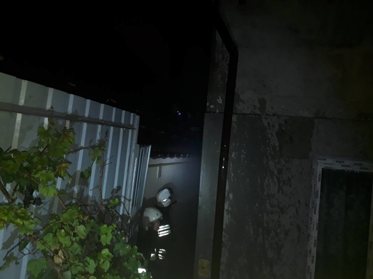 На вулиці Збарського горів житловий будинок, фото-1