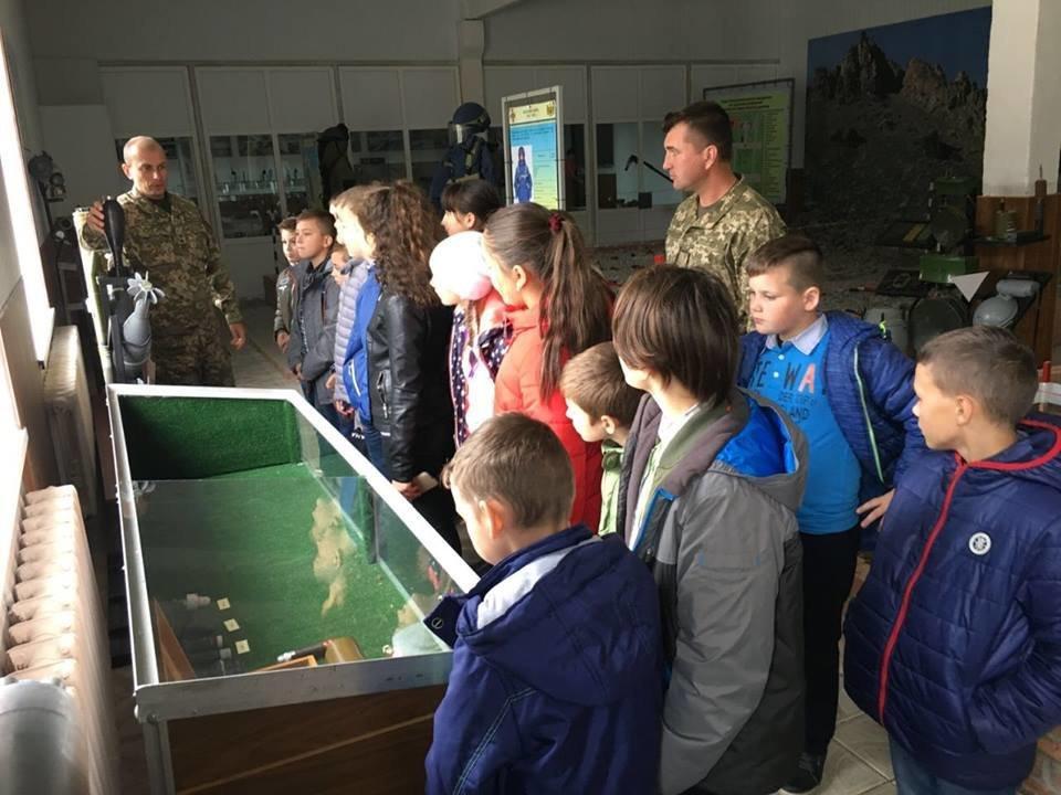 Кам'янецькі діти знайомились із особливостями військової справи, фото-3