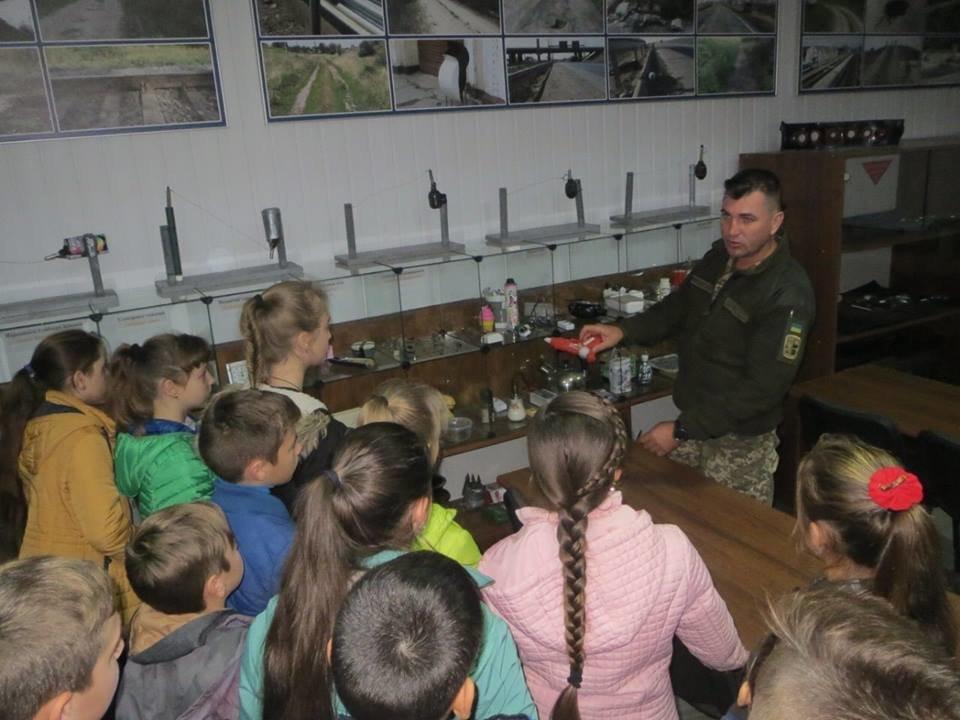Кам'янецькі діти знайомились із особливостями військової справи, фото-8