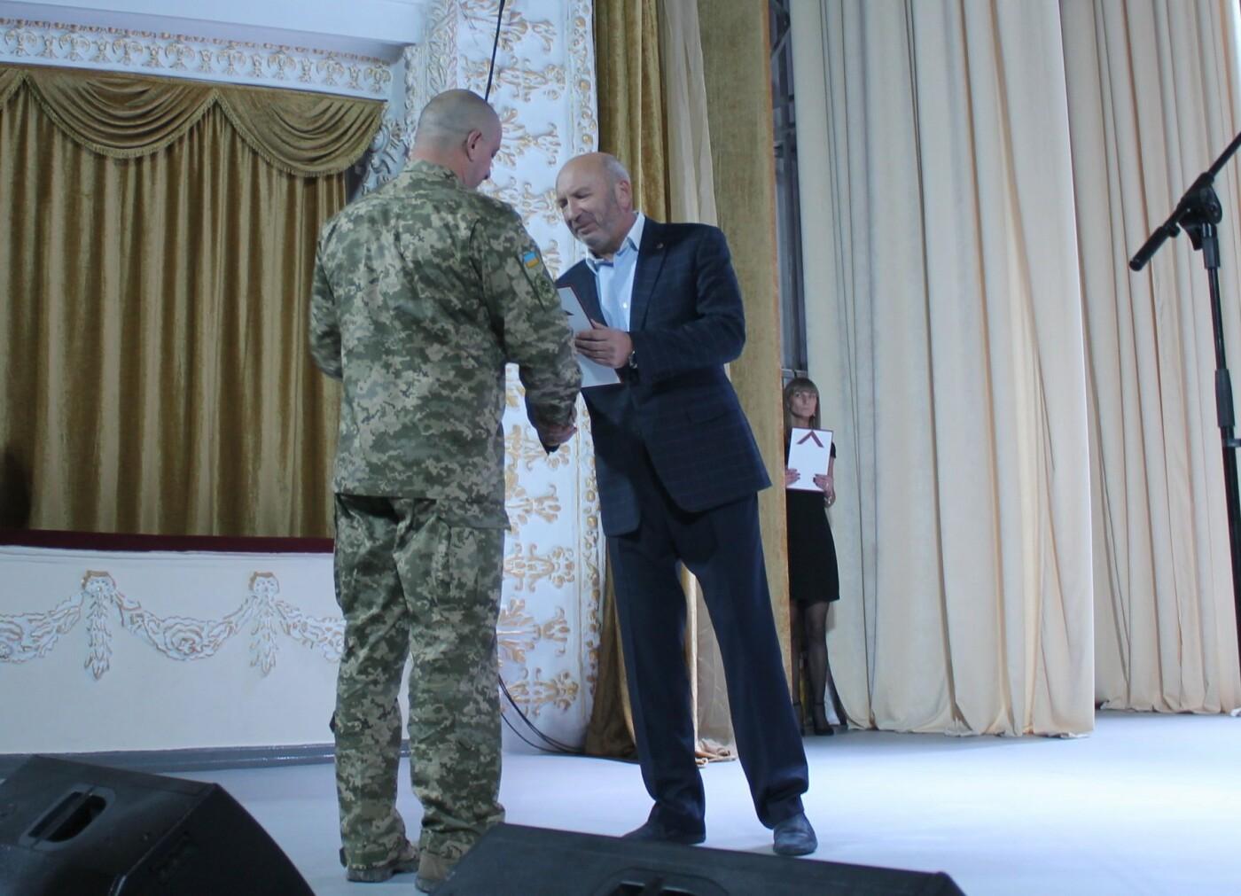 Кам'янець-Подільські військовослужбовці висловлюють подяку за отриманні квартири, фото-2
