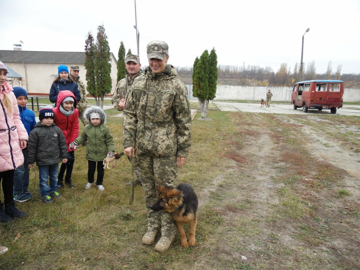 До строю військовослужбовців Центру розмінування, з нагоди Дня інженерних військ, стали їхні діти, фото-13