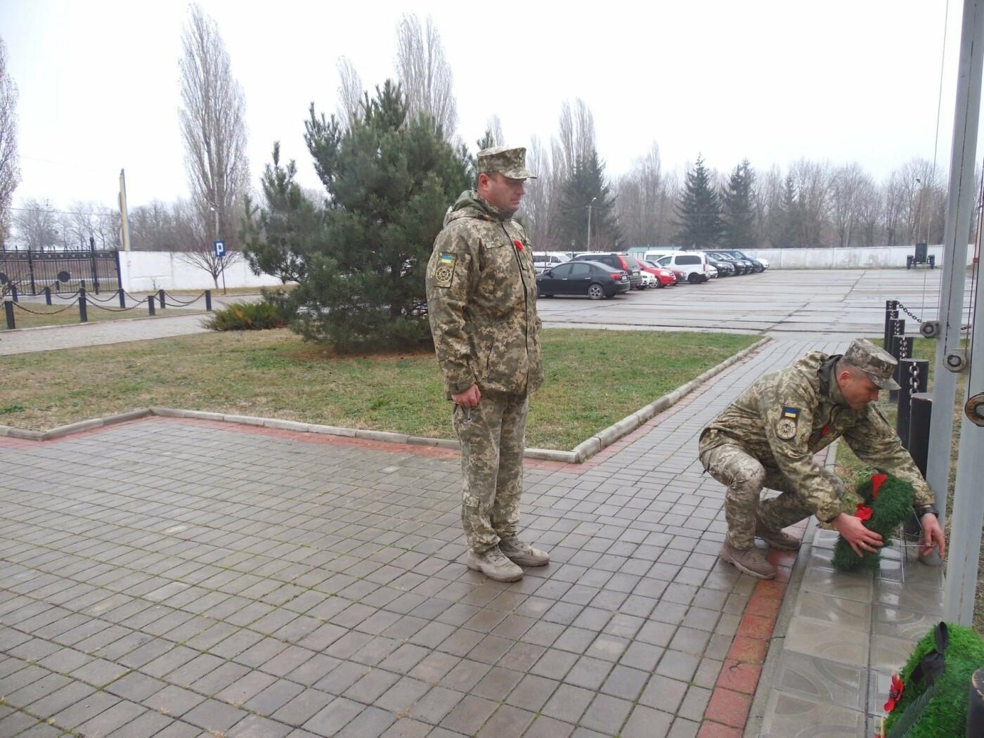 У Кам'янці-Подільському українські та канадські військовослужбовці вшанували пам'ять усіх, хто у різні роки не повернувся з поля бою, фото-6