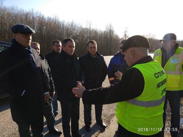"""Заступник Міністра інфраструктури інспектував """"Тещин язик"""" та інші дороги Хмельниччини, фото-1"""