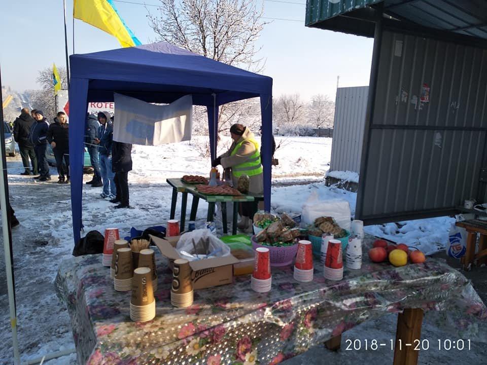 """""""Євробляхери"""" заблокували рух при в'їзді у Кам'янець, фото-3"""